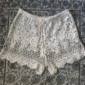Eshe Shorts - Off-White Lacey Shorts